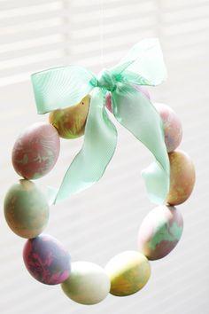 Marbled Easter egg wreath