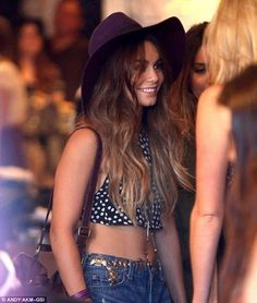 """Ombre Hair Extension,Vanessa Hudgens, Reverse Ombre, Dark Brown Slow Fade to sand and toffee, (7) Pieces,16"""", Custom Your Own"""