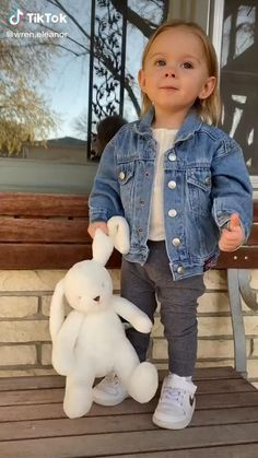 Cute Funny Baby Videos, Cute Funny Babies, Funny Videos For Kids, Cute Couple Videos, Funny Kids, Cute Kids, Funny Baby Memes, Cute Little Baby Girl, Baby Kind