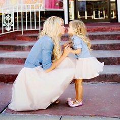 Miren este outfit que pueden crear para mami e hija para esas ocasiones en las que quieren impactar y ser la atracción de un evento !!! INFO 02127401065 ❤️❤️