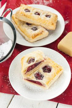 Puff pastry bags filled with cherry and marzipan - Healthy Vegan Repices Cooking Cake, Cooking Recipes, Delicious Desserts, Yummy Food, Baking Muffins, Puff Pastry Recipes, Sweets Cake, Vegan Baking, Mini Cakes