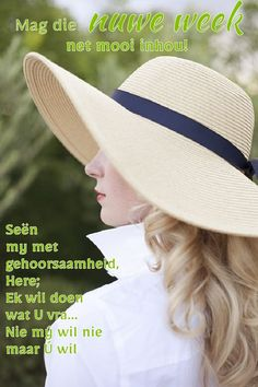 How to Wear a Summer Hat Camille Styles Floppy Hats, Straw Hats, Mode Chic, Glamour, Love Hat, Summer Hats, Madame, Mode Inspiration, Sun Hats