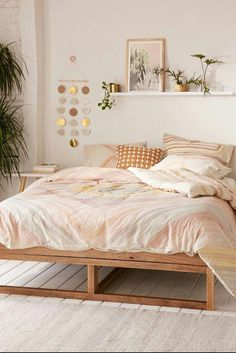 Urban Outfitters Bedroom Ideas Beautiful Bedroom with Pink Bedding From Urban Outfitters Simple Bed Frame, Diy Bed Frame, Bed Frames, Boho Bed Frame, Bedroom Decor For Teen Girls, Teen Girl Bedrooms, Girl Rooms, Bedroom Themes, Bedroom Wall Ideas For Adults