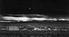 Fotografie  1921 1967 - Collezione privata Fam. Manfrotto, Moonrise, Hernandez, New Mexico, 1941, � Ansel Adams, Fonte: fotochepassione.com . libreriamo.it