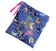 trousse à maquillage en tissu japonais bleu motifs papillons