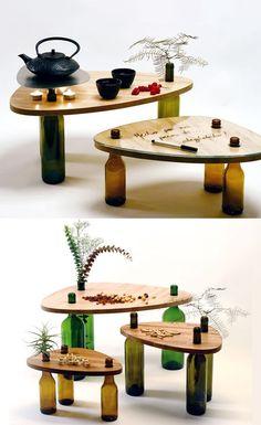 Mesa de botellas de vino./ Wine bottles table. #recycledesign: