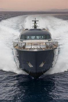 Pershing Yacht - Pershing 108