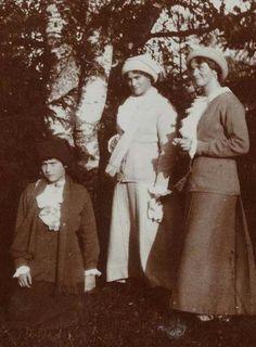 Grand Duchesses Anastasia,Maria and Olga Nikolaevna Romanova of Russia.A♥W