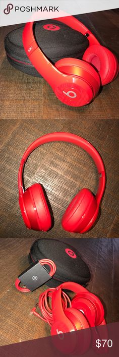 beats solo wireless headphones all cords and case included, minimal use, slight imperfection shown in picture 4 Beats by Dr. Dre Other