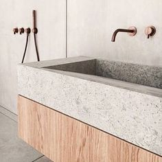 COCOON bathroom design with Piet Boon raw copper taps Modern Luxury Bathroom, Luxury Bathtub, Bathroom Design Luxury, Villa Design, Design Hotel, Wash Tub Sink, Wash Tubs, Boutique Bathroom, Renovation Design