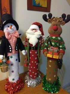 Santa, reno y nieve Easy Christmas Ornaments, Christmas Wood, Outdoor Christmas, Christmas Projects, Simple Christmas, Christmas Stockings, Christmas Holidays, Christmas Wreaths, Christmas Storage