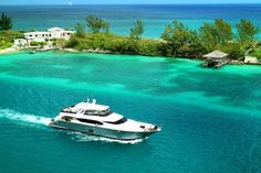 Luxury yacht on the way to Nassau harbour!