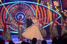 Sonam Kapoor and Salman Khan in Bigboss Season 9