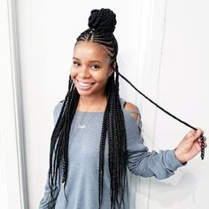 Long Box Braids: 67 Hairstyles To Upgrade Your Box Braids - Hairstyles Trends Ghana Braids Hairstyles, African Hairstyles, Girl Hairstyles, Hairstyles 2016, Protective Hairstyles, Gorgeous Hairstyles, Modern Hairstyles, Protective Styles, Black Braided Hairstyles