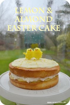 An alternative to a traditional Simnel Cake - A Lemon & Almond Easter Sponge Cake Simnel Cake, Easter Recipes, Easter Desserts, Vanilla Recipes, Cake Mixture, Cake Recipes From Scratch, Occasion Cakes, Cake Tins, Sponge Cake