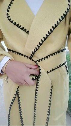 Sari Blouse, Diy Blouse, Sari Dress, Sari Silk, Diy Clothes Life Hacks, Clothing Hacks, Diy Belt For Dresses, Scarf Wearing Styles, Mochila Do Bts