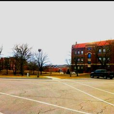 William Woods University Fulton, MO  My perfect Equine College!!! :)