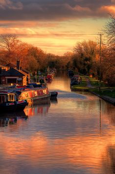 Looking down the Shropshire Union Canal at Norbury Junction, Staffordshire, England.