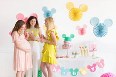 As a stylish Disney lover, we love to celebrate everything in Disney style. So why would a baby shower be any different? Disney Family has put together a Disneyland Birthday, Disney Birthday, 10th Birthday, Birthday Parties, Mickey Baby Showers, Baby Mickey, Mickey Mouse, Disney Party Decorations, Baby Shower Decorations