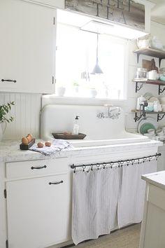 kitchen2.jpg 1,504×2,256 pixels Cottage Chic, Cottage Kitchen Decor, Shabby Chic Kitchen, Farmhouse Sink Kitchen, Old Kitchen, Kitchen On A Budget, Country Farmhouse Decor, Kitchen Ideas, Vintage Kitchen Sink