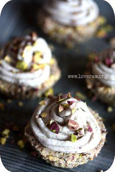 Vegan Raw Lemon Cupcakes #vegan #cupcake #recipe