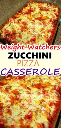 This Zucchini Pizza Casserole is a family favorite for everyone Pizza Weight Watchers, Weight Watchers Zucchini, Plats Weight Watchers, Low Carb Soup Recipes, Ww Recipes, Cooking Recipes, Dessert Recipes, Pizza Recipes, Italian Recipes