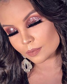 41 Glitter Eye Makeup For Stunning Eyes You Will Love The majority of this time, pale brown eyes with a little green color are considered yellow eyes too. Makeup Dupes, Diy Makeup, Makeup Inspo, Beauty Makeup, Teen Makeup, Prom Makeup, Beauty Care, Makeup Ideas, Eye Makeup Glitter