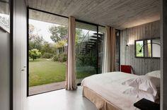 Puertas abiertas: cemento, vidrio y acero en una espectacular casa en St. Tropez