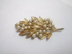 Vintage Brooch Pin ART pearl bead gold tone by purrfectstitchers, $14.00