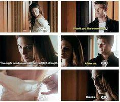 Hehe all his vampire strength. Love them. Hayley and Elijah. Halijah, Originals.
