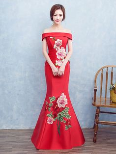 Off Shoulder Qipao / Cheongsam Wedding Dress With Floral Embroidery