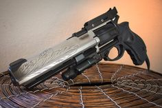 Destiny Hawkmoon- Making a Hand Cannon