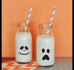 **Schaurig lustige Halloween Gesichter Aufkleber (4 Stück) **  Dekoriere deine Halloween Gastgeschenk, Deko-Artikel und Essens-Schalen mit diesen transparenten bedruckten Halloween-Aufklebern....
