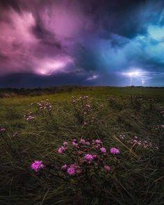 Beautiful Landscape Photography, Beautiful Landscapes, Beautiful Scenery, Beautiful Places, Landscape Lighting, Landscape Photos, Night Photography, Nature Photography, Lightning Photography