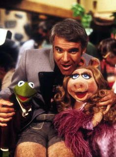 Steve Martin with Kermit and Miss Piggy, The Muppet Movie. Kermit And Miss Piggy, Kermit The Frog, Steve Martin, The Muppet Movie, I Movie, Jim Henson, Bennett Cerf, Die Muppets, Star Trek Posters