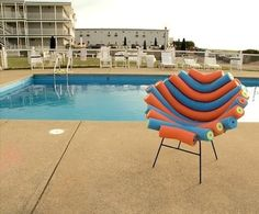 Pool noodle chair without the legs it's a cheap DIY raft Swim Noodles, Fun Noodles, Pool Noodle Crafts, Mousse, Transformers, Trash To Treasure, Summer Fun, Home Projects, Architecture