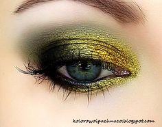 Liquid Gold – Makeup Geek (http://www.makeupgeek.com/idea-gallery-round-ups/idea-gallery-round-up-september/)