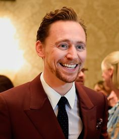 "BAFTA Los Angeles: ""Happy Birthday to Tom Hiddleston! (https://twitter.com/BAFTALA/status/829742167543386112  )"