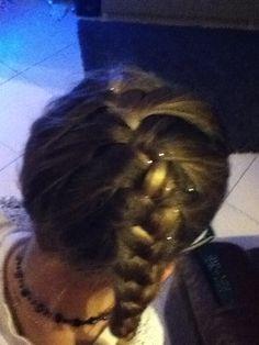 La coiffure qui s'appelle une mexicaine !!:)