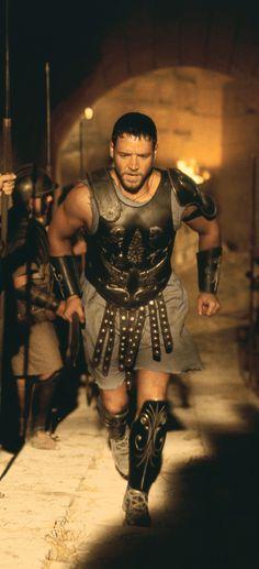 Russell Crowe Wallpaper Gladiator Greek Warrior, Warrior King, Gladiator Movie, Gladiator Tattoo, Russell Crowe Gladiator, The Last Samurai, Famous Movies, Film Aesthetic, Hollywood Actor