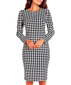 Signup with this invite address to earn you and your friends £10 off https://secretsales.com/invitations/detail/Black--white-long-sleeve-midi-dress-1348961?invite=9366751