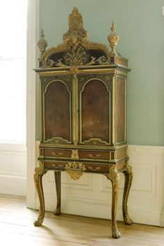 Collector's Cabinet, circa 1720 -1740. On Display at Georgian House, Library.