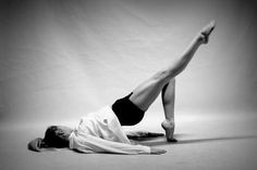 New sport girl body awesome 58 ideas Sport ; Dance Picture Poses, Dance Poses, Dance Pictures, Yoga Pictures, Yoga Inspiration, Fitness Inspiration, Dance Photography Poses, Pilates Body, Fitness Photos