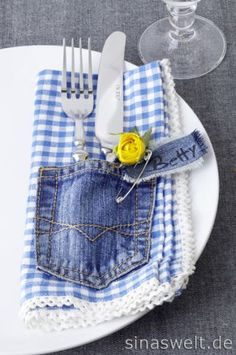 napkin w/ denim pocket