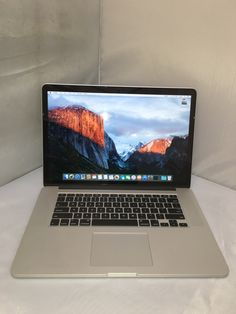 awesome Used Macbook Air, Macbook at cheap price http://www.laptopfactoryoutlet.com.sg/