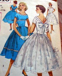 LOVELY VTG 1950s DRESS Sewing Pattern 11/31.5