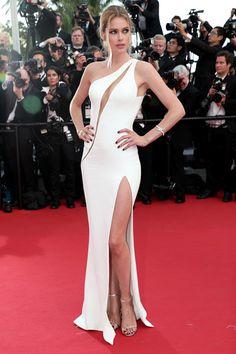 Best Red Carpet Looks from Cannes—Doutzen Kroes in Atelier Versace