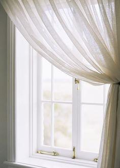 shadowy curtain light