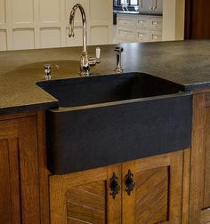 9 Rock Solid Farmhouse Sink Designs With Soapstone, Granite and Farm Sink Kitchen, White Shaker Kitchen Cabinets, Granite Kitchen Sinks, White Kitchen Appliances, Stools For Kitchen Island, Black Kitchens, Kitchen Redo, Kitchen Design, Black Granite Sink