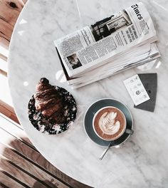 Find images and videos about coffee, drinks and cafe on We Heart It - the app to get lost in what you love. Coffee Is Life, I Love Coffee, Black Coffee, Coffee Break, Morning Coffee, Coffee Drinks, Coffee Cups, Coffee Coffee, Coffee Signs